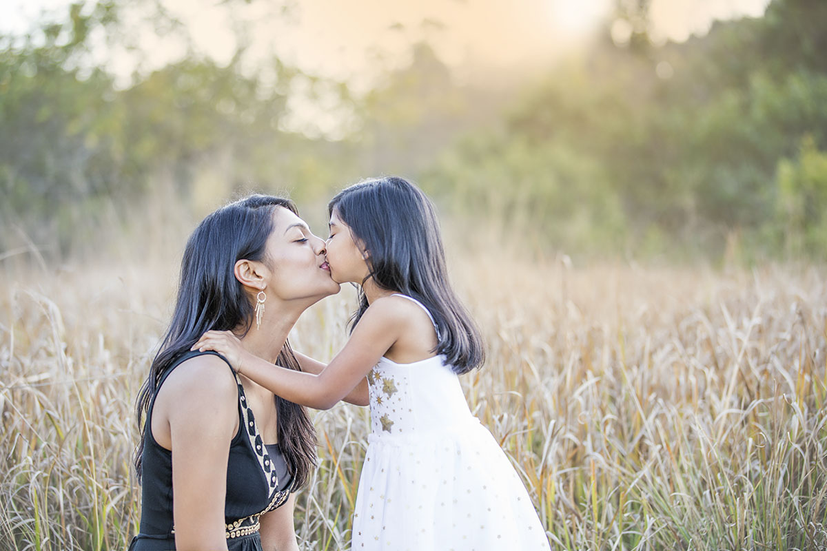 henry-summers-photography-best-wedding-photographer-portfolio-family-mother-daughter-kiss-durban-gillitts-kwa-zulu-natal