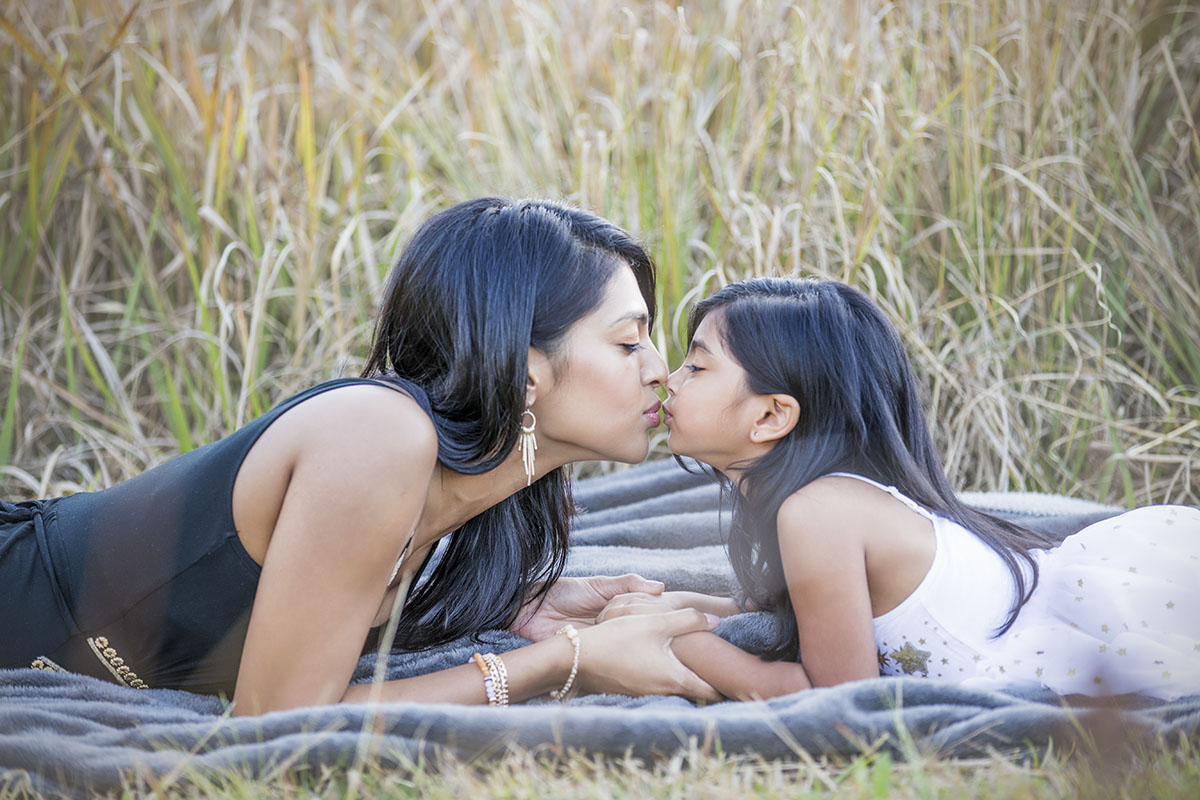 henry-summers-photography-best-wedding-photographer-portfolio-family-mother-daughter-kissing-durban-gillitts-kwa-zulu-natal
