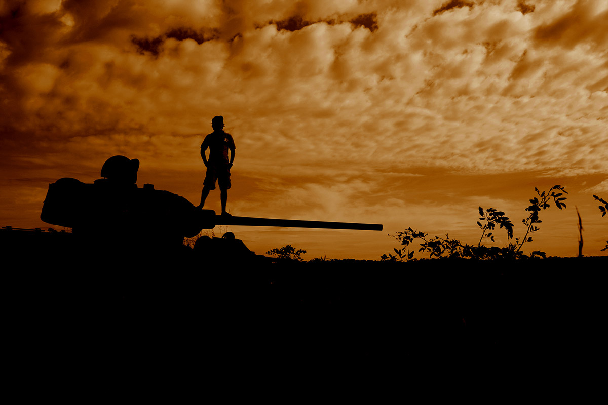 henry-summers-photography-travel-best-wedding-photographer-durban-gillitts-kwa-zulu-natal-tank-sunset-dusk