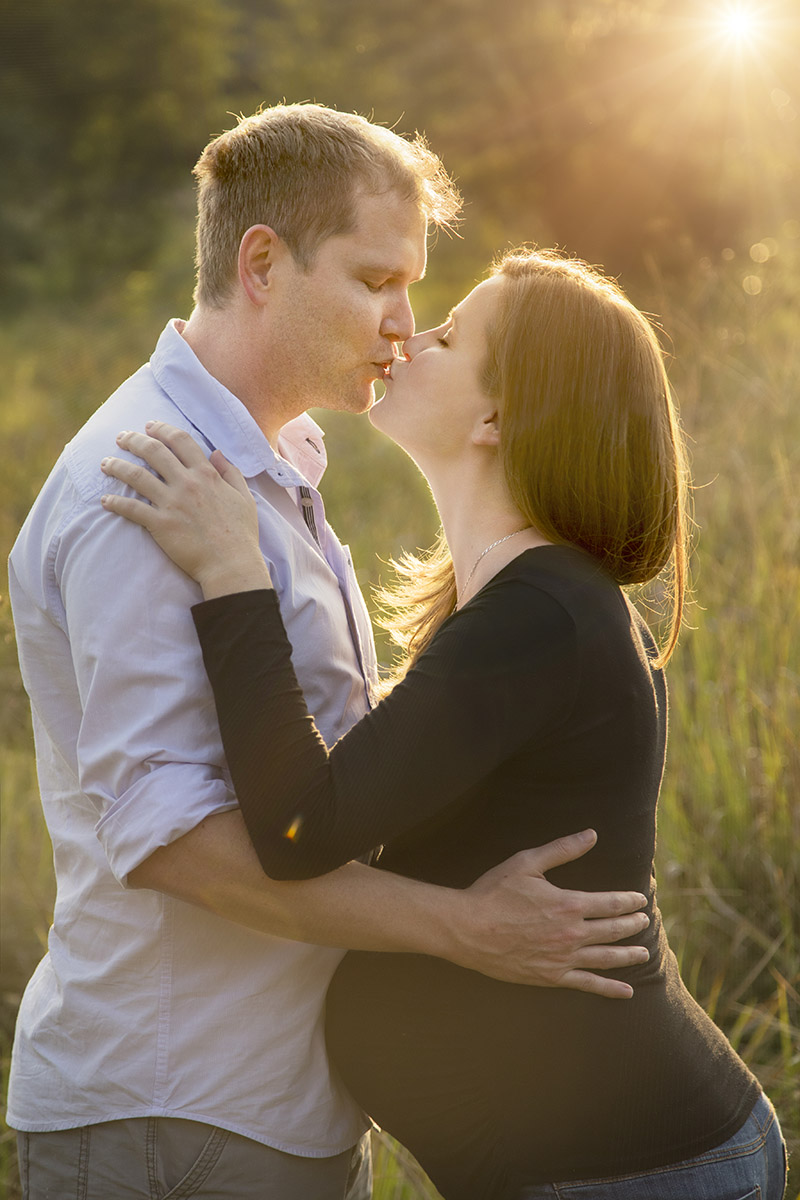 pregnant-woman-couple-kissing-henry-summers-photography-best-wedding-photographer-maternity-shoot-durban-gillitts-kwa-zulu-natal